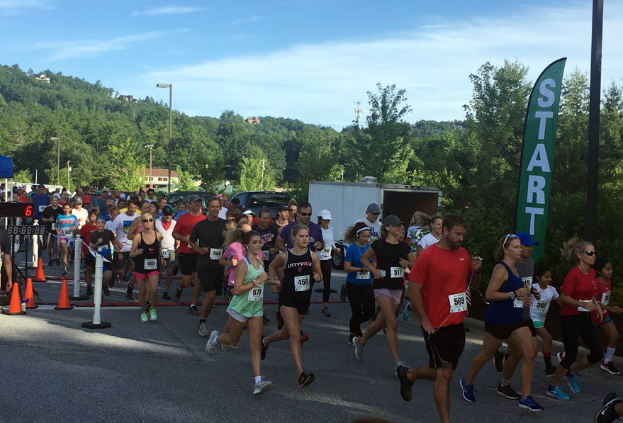 Red, White, And Blue Ridge 5K Starting LIne